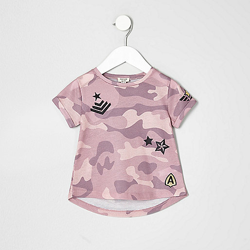 Mini girls pink camo print badge T-shirt