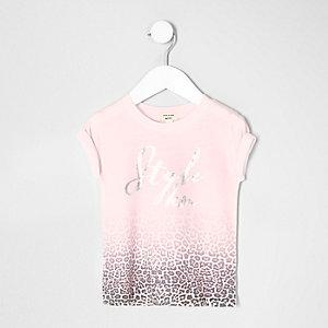Pinkes, verwaschenes T-Shirt mit Leopardenprint