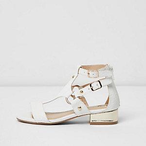 Sandales blanches avec anneaux à talons carrés pour fille
