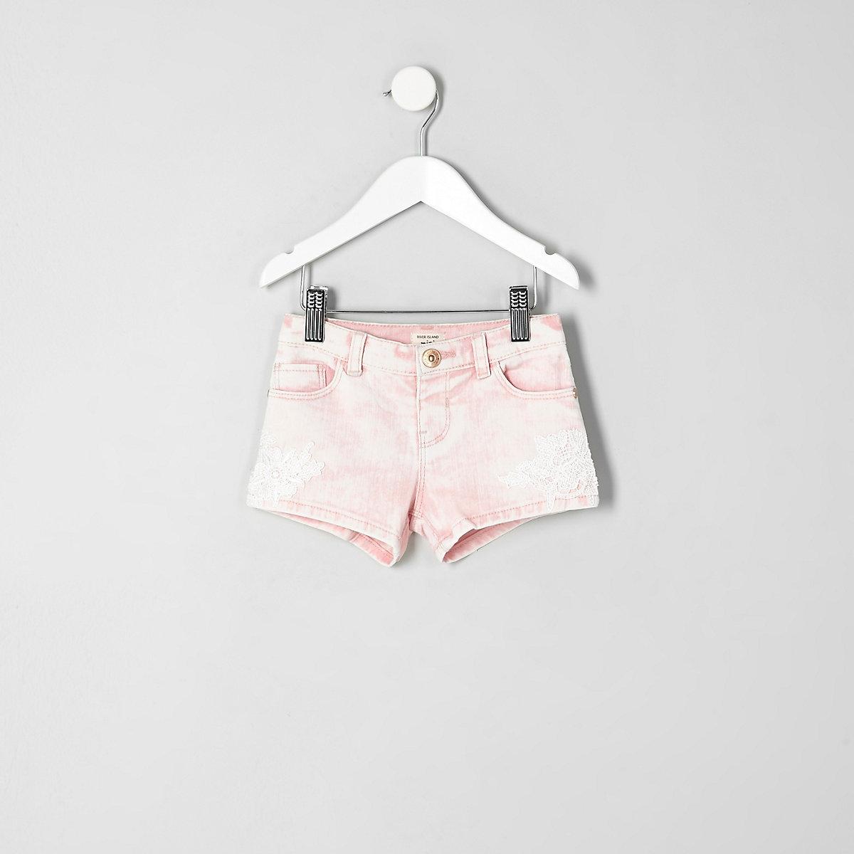 Mini girls pink crochet denim shorts