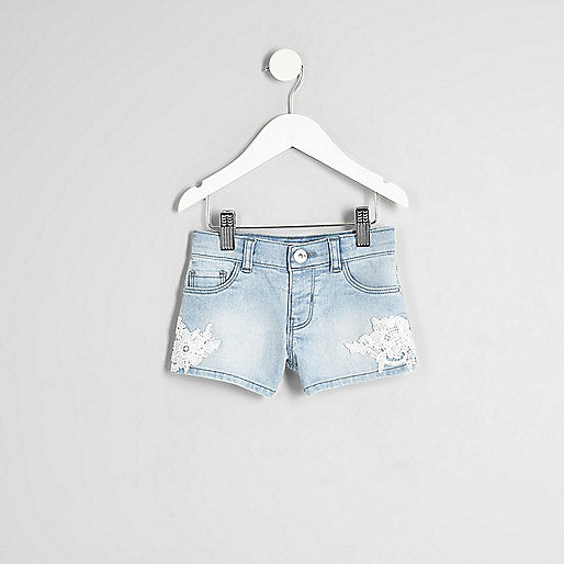 Mini girls blue crochet trim denim shorts