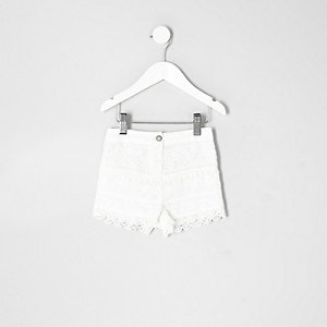 Mini girls white crochet shorts