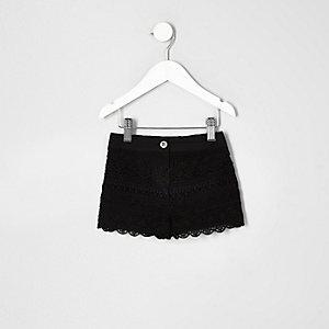 Short noir délavé au crochet mini fille