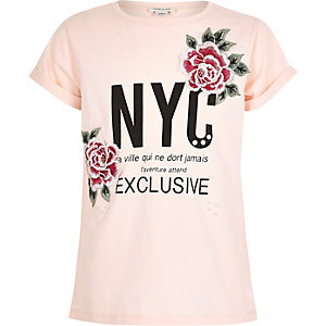 Girls pink flower badge NYC T-shirt