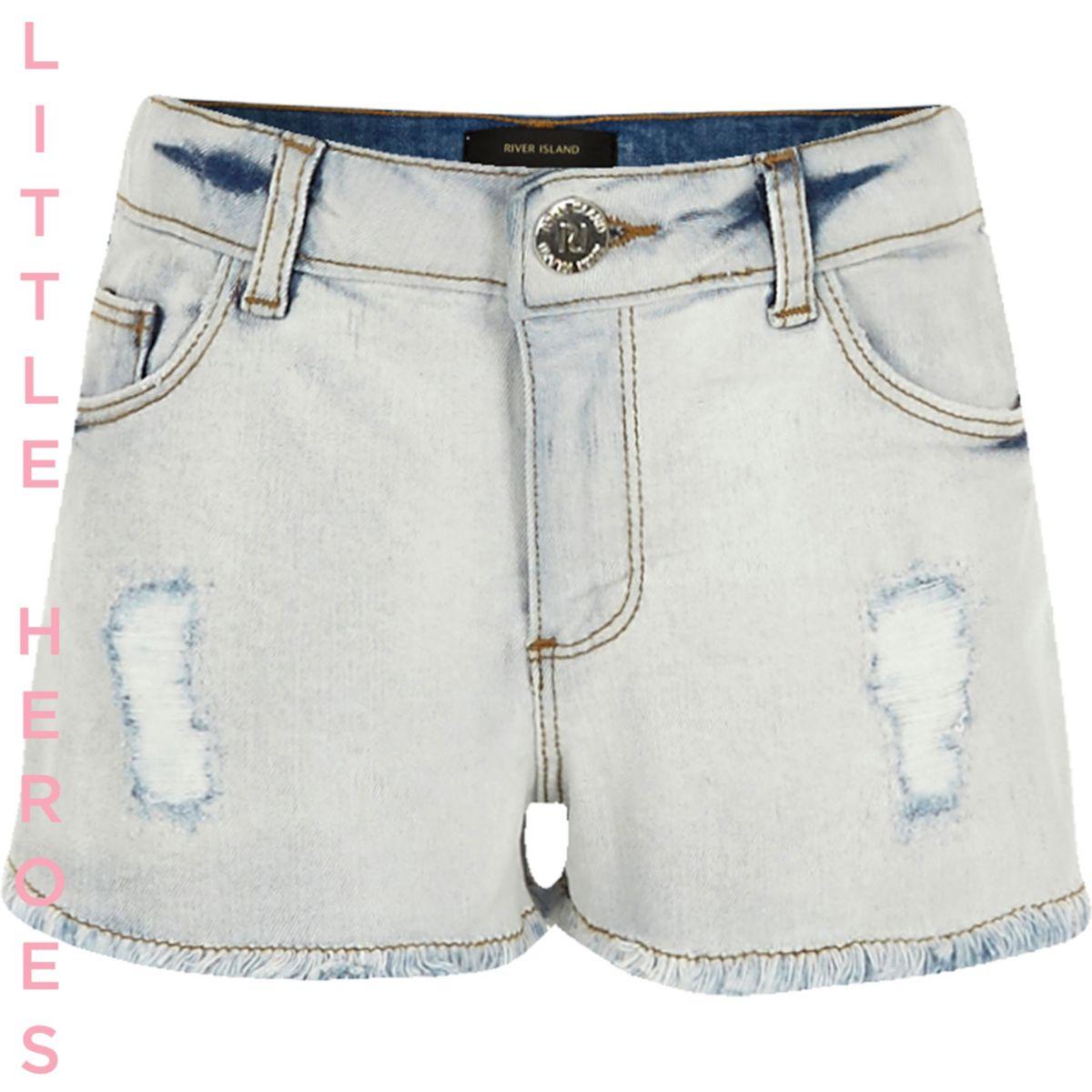 Hellblaue Jeansshorts im Used-Look