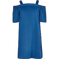 Blaues Kleid mit Schulterausschnitten