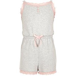 Grau melierter Pyjama-Overall mit Spitzenbesatz