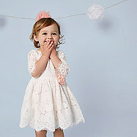 Mini girls cream lace corsage dress