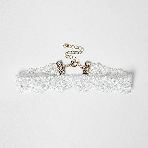 Girls white lace choker