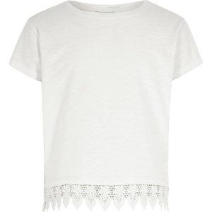 Mini - Wit T-shirt met gehaakte zoom voor meisjes