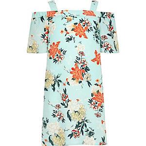 Hellgrünes Kleid mit Schulterausschnitten und Blumenmuster