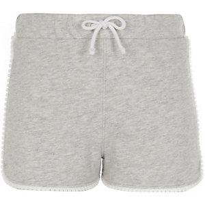 Graue Jersey-Shorts mit Häkelbesatz