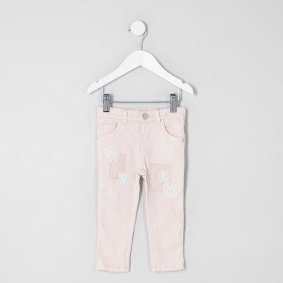 Mini Amelie roze jeans met haakwerk voor meisjes