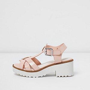 Pinke, klobige Sandalen mit T-Steg