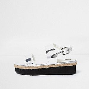 Sandales argenté métallisé à plateforme plate pour fille