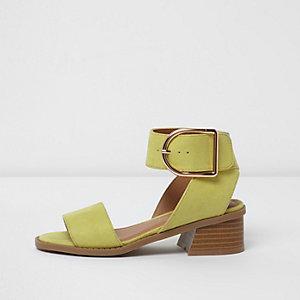 Sandales vert citron à talon carré pour fille