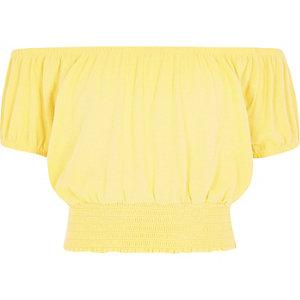Gele crop top met bardothalslijn voor meisjes