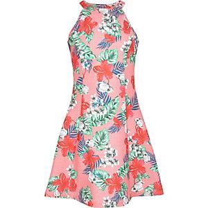 Pinkes, ausgestelltes Kleid mit tropischem Muster