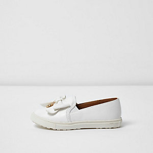 Mini girls white bow plimsolls