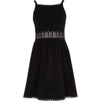 River Island Zwarte jurk met gehaakt middel voor meisjes