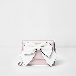 Girls pink bow front trifold purse