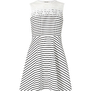 Girls white stripe print Crochet trim dress