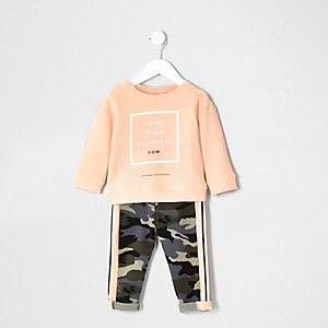 Mini girls pink sweater camo outfit