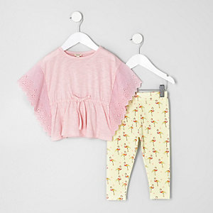 Mini girls pink poncho and leggings outfit