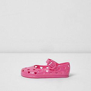Chaussures en plastique roses motif cœur mini fille