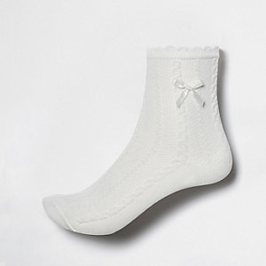 Girls white bow ankle socks
