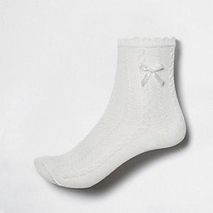 Girls white bow ankle socks