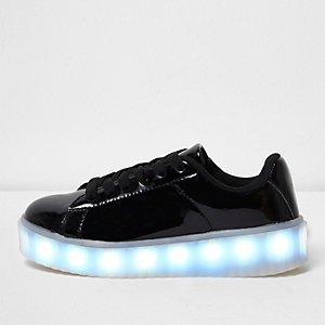 Girls black flashing light lace-up sneakers