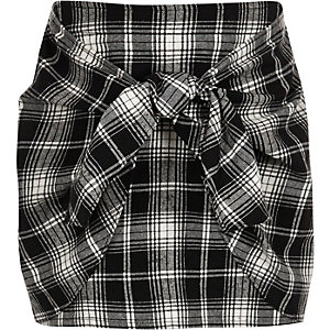 Girls black check front tie knot skirt