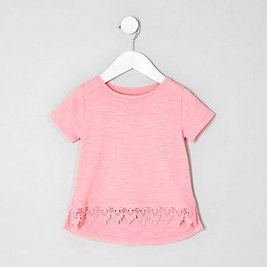 Mini - Knalroze T-shirt met gehaakte zoom voor meisjes