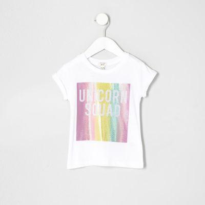 River Island T-shirt imprimé unicorn squad blanc pour mini fille - Description Tissu Jersey Print «Escadron de la Licorne» Encolure ras du cou Roulé à manches courtes