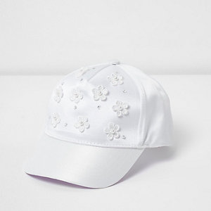 Mini girls white 3D flower cap