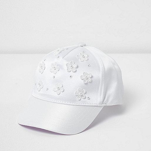 Mini girls white 3D flower cap