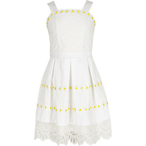 Girls white daisy lace hem prom dress