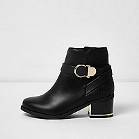 Girls black circle buckle block heel boots
