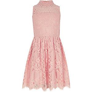 Robe de gala rose corail ornée de dentelle pour fille