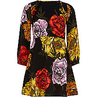 Schwarzes, langärmliges Kleid mit Blumenmuster