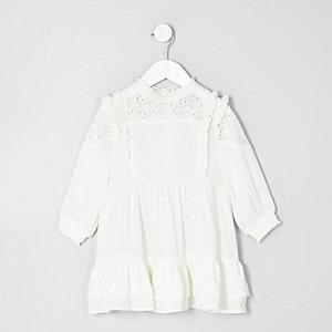 Mini - Crème hoogsluitende jurk met ruches voor meisjes