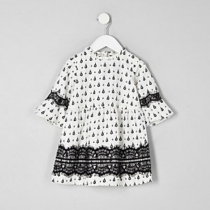 Mini girls white mono print lace dress