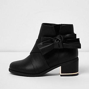 Girls black bow side block heel boots