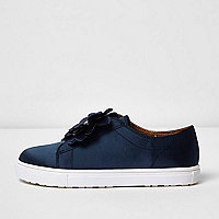 Girls navy 3D flower slip on plimsolls