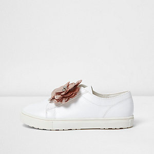 Girls white 3D flower slip on plimsolls