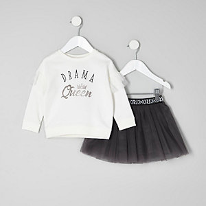 Mini girls white sweatshirt and tutu outfit