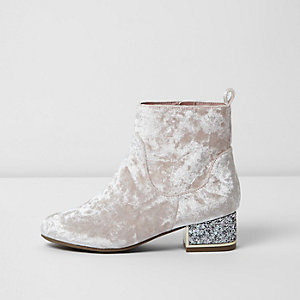 Girls light pink crushed velvet ankle boots