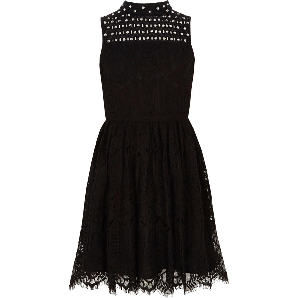 Robe de gala en dentelle noire avec encolure montante pour fille