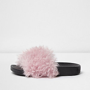 Girls pink faux fur sliders